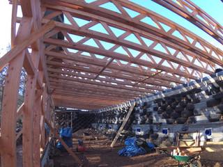 La préfabrication des poutres a permis une importante économie sur les coûts du projet. Cependant elles ont été sur-dimensionné pour ce projet.