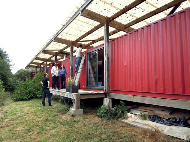Visite du conteneur par Anatomies d'Architecture au mois de Septembre en présence de Yannick et Sandra accompagnés de l'architecte Catherine Rannou.