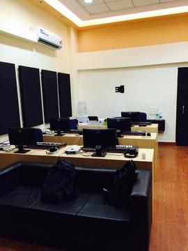 BFA Mumbai Class Room with Apple iMacs