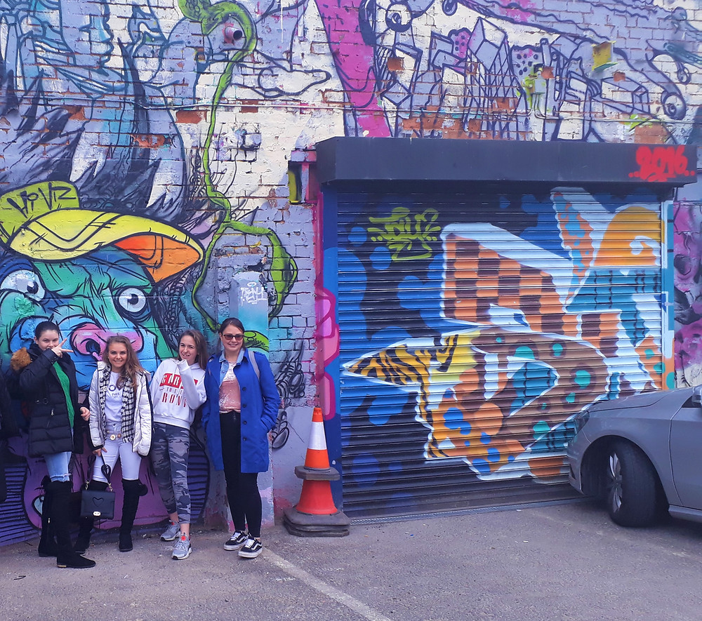 Lisa Smith taking youngsters from the Gypsy and Travellers Community to look at street art