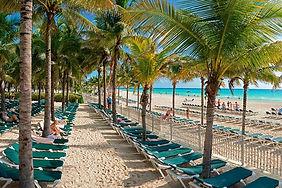 beach-riu-lupita_.jpg