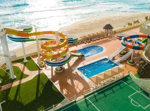 Crown Paradise Club Cancun 5-toboganes.j