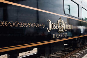 Tren Jose Cuervo Express.jpg