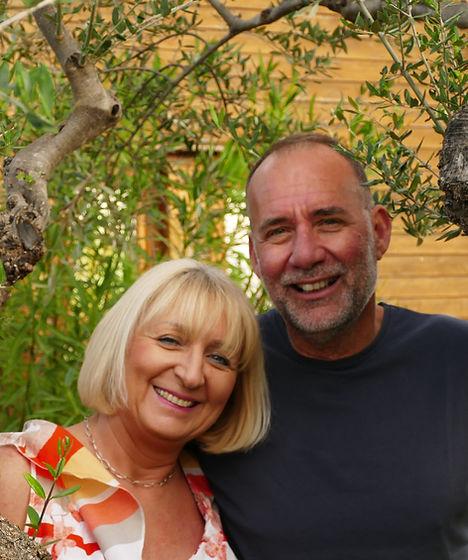Lieferanten vonBabis und Ursula Papajoanoubestem Olivenöl,