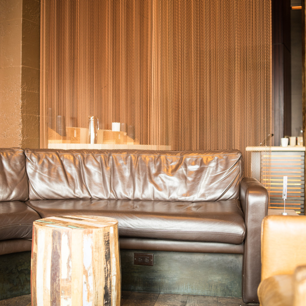 seattle-washington-coffeeshop-brown-wood-hip