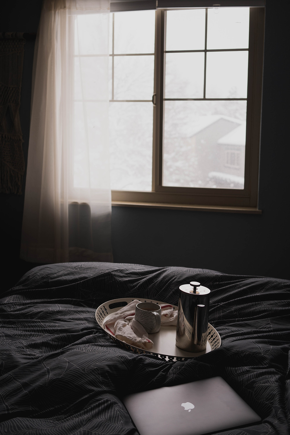 stay-home-quarantine-cozy-coffee-in-bed