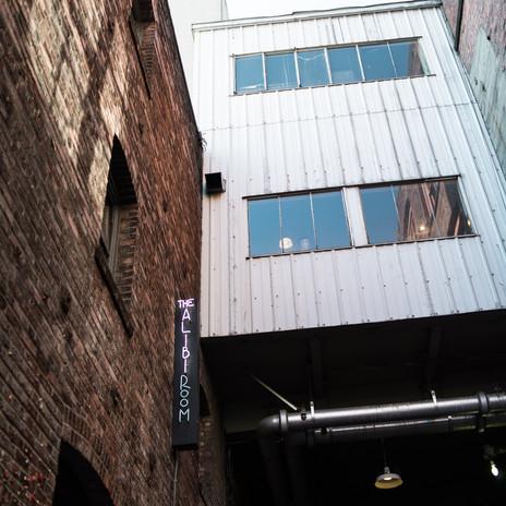 seattle-washington-architecture-brick-gum-wall
