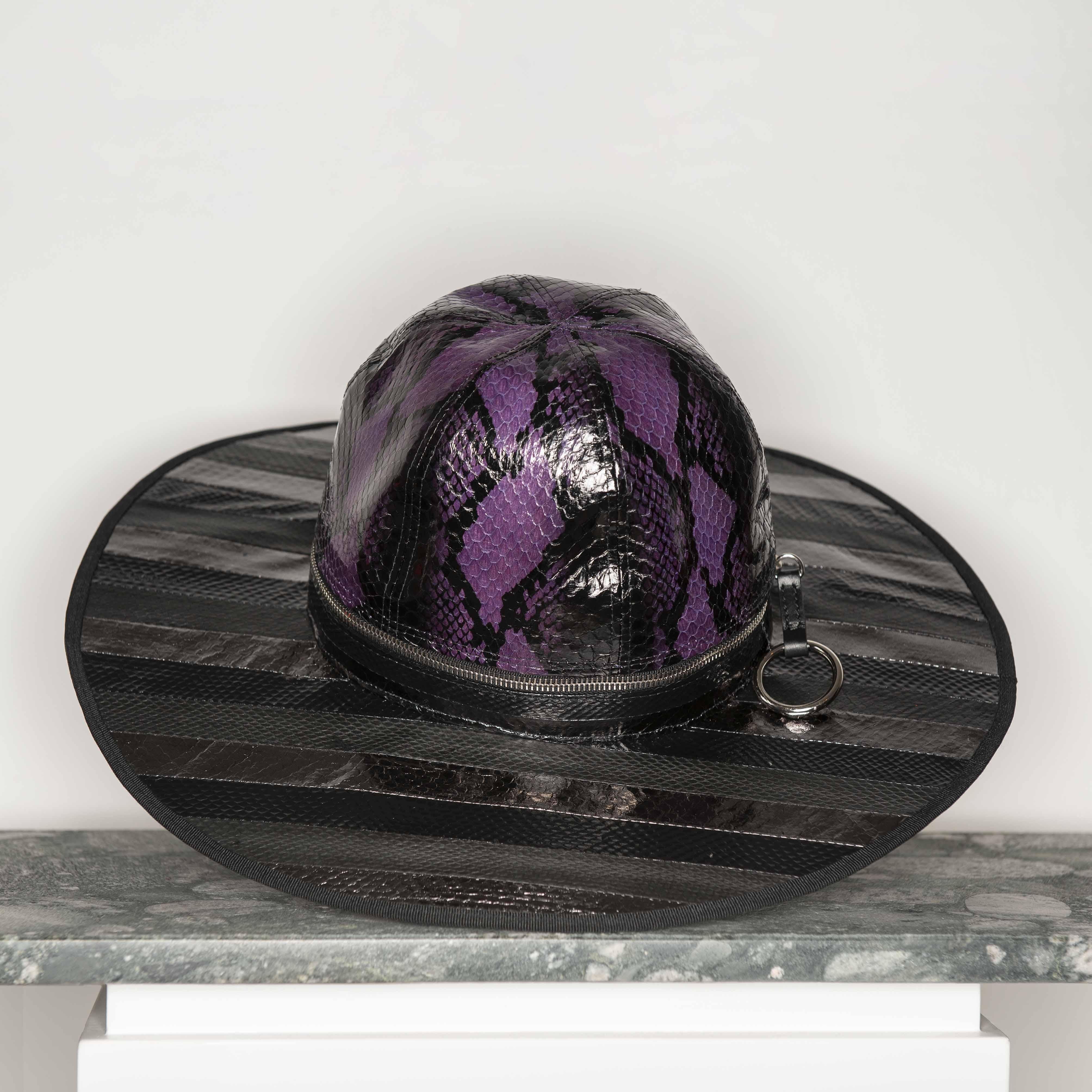 HAT-SET1
