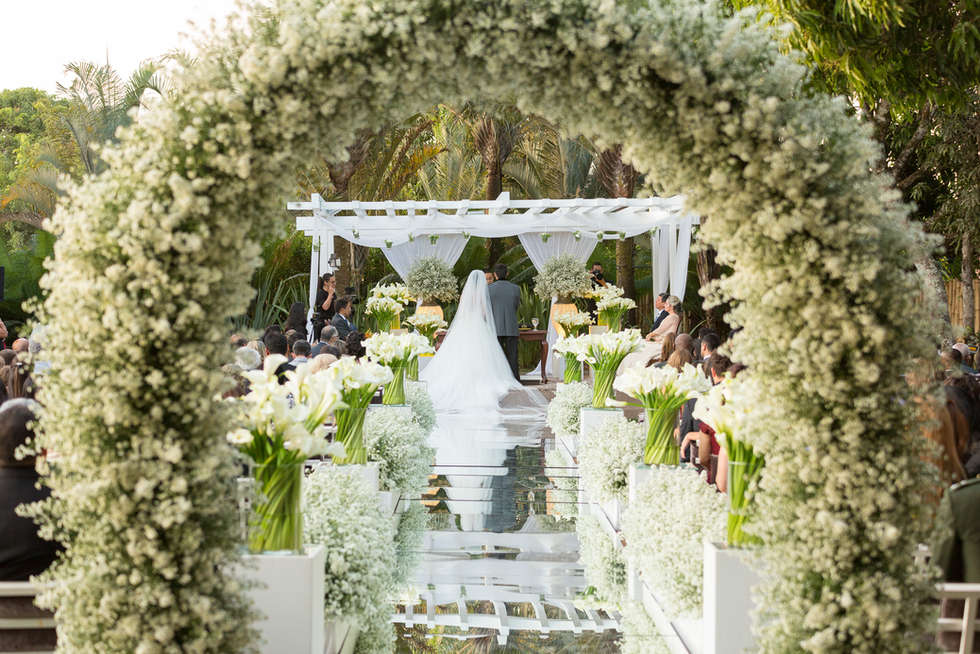 Decolração de casamento com arco de flores