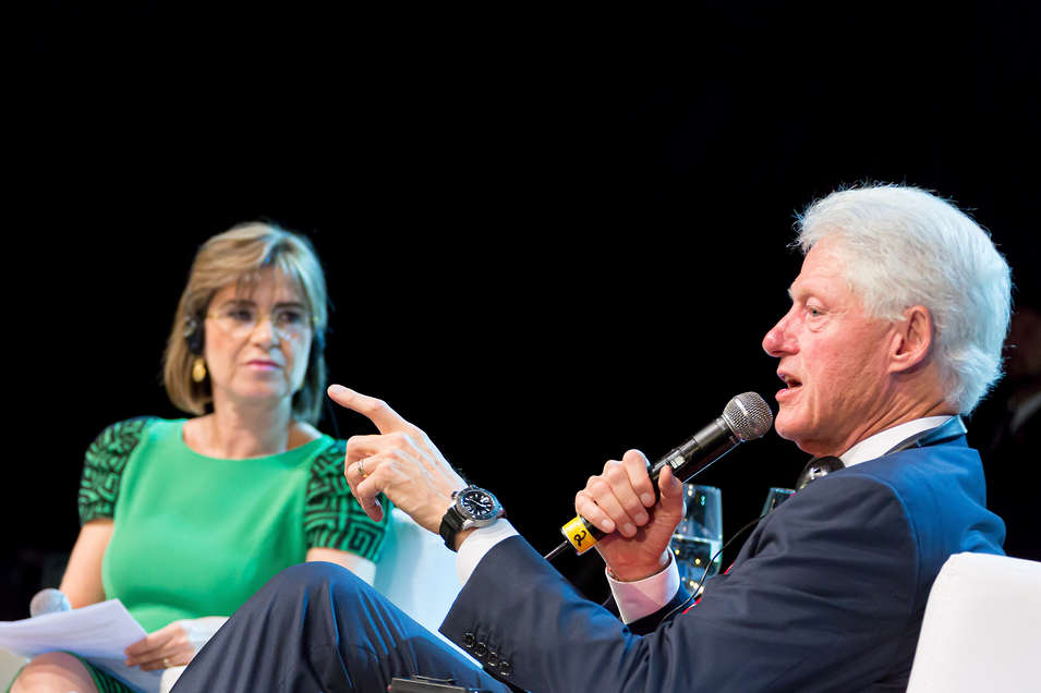 Bill Clinton palestrando no Congresso Brasileiro de Contabilidade