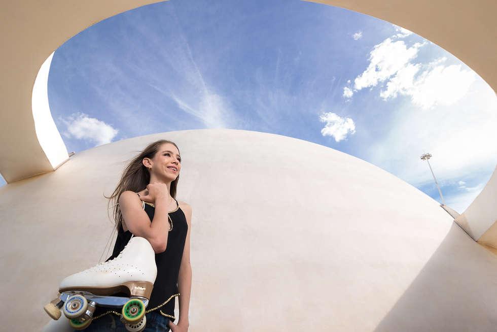Ensaio fotográfico de 15 anos no museu nacional de brasília, debutante