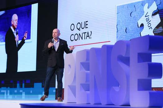 Evento corporativo em brasília, Palestra pense sicoob com Leandro Karnal