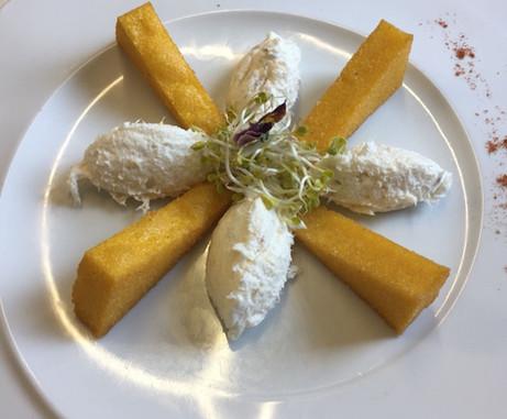 Baccalà mantecato con polentina