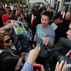 Wahlburgers Opening