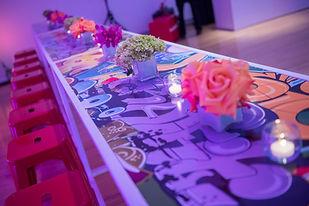 graffiti table decor