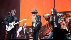 Watch Steve Tyler Join Mick Fleetwood on 'Rattlesnake Shake'