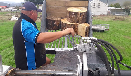 TME Trailers Log Splitter Video