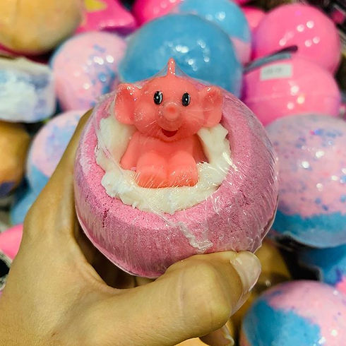 Make a pink bath 🌸 #aromaticsgirona #bo