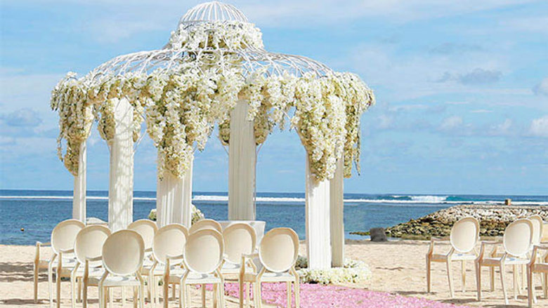 Mulia Beach Wedding