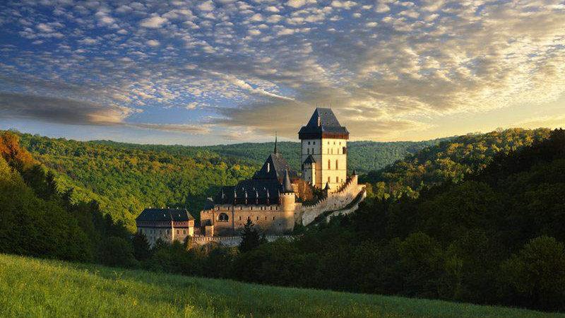 Karlstejn Castle (卡爾斯坦城堡)