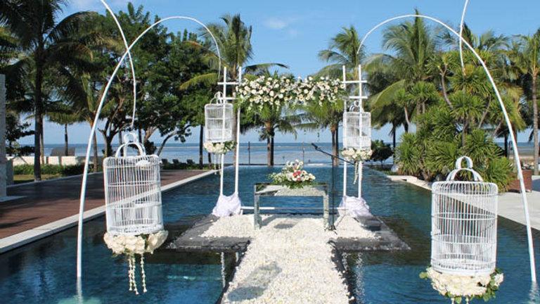 Royal Santrian Water Wedding