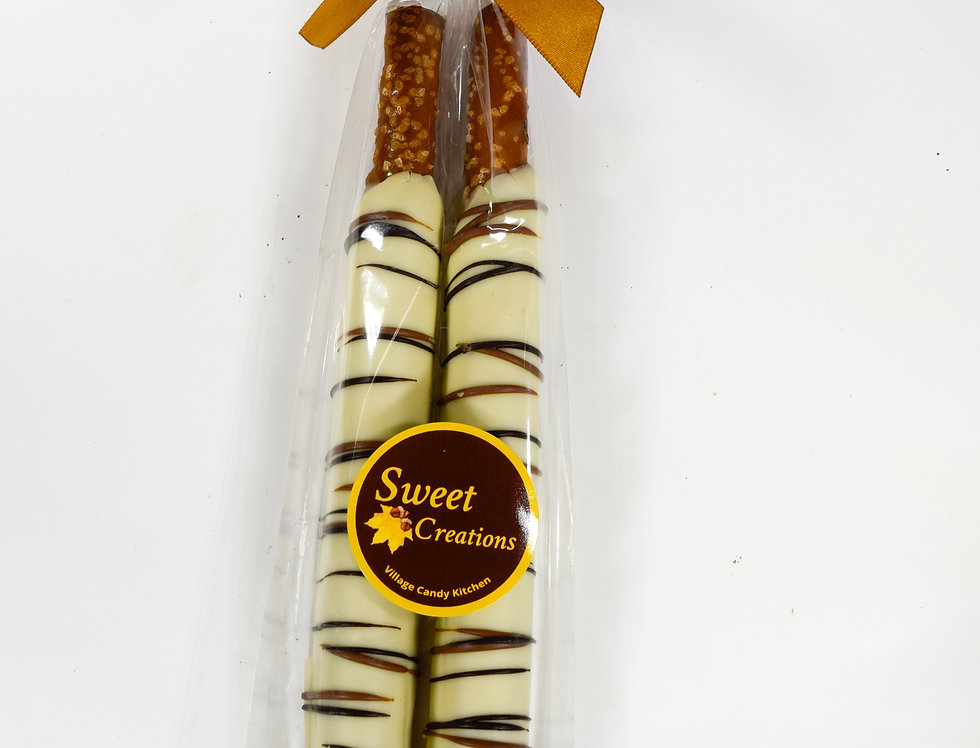Caramel Pretzel Rod Duet Ivory with Milk and Dark Stripes