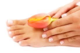 Veckans Hälsotips – Nu på söndagar! Idag – skönhetsmyter om naglar!