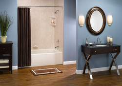 Biscuit_Winged_Tub_with_Travertine_Smooth_Walls_HR.jpg