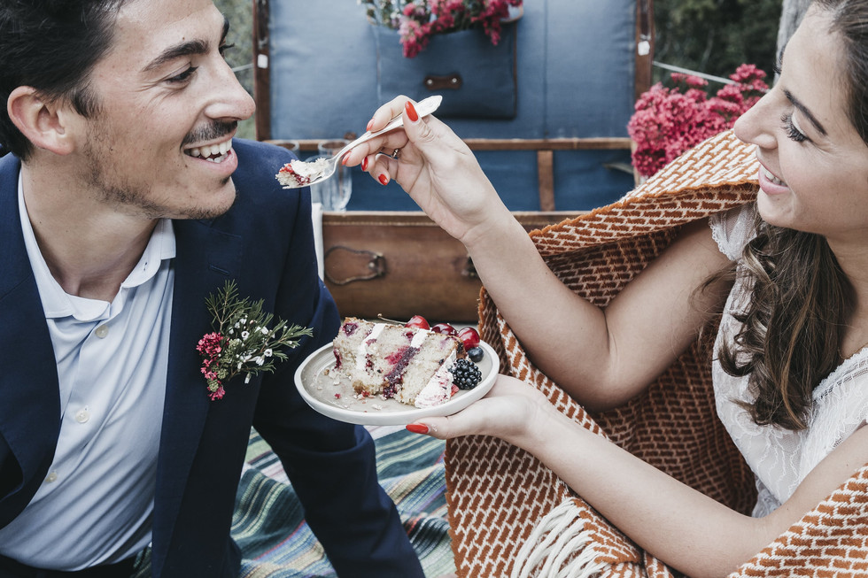 bolo-noivos-casamento-rustico.jpg