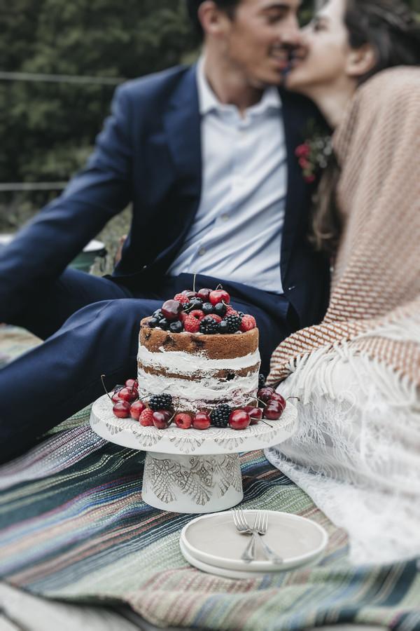 bolo-noiva-rustico-frutos-vermelhos.jpg