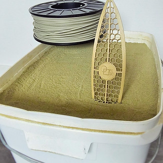Algues : partir de la poudre, la transformer en filament pour en faire un surf... Work in Progress