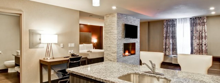 Home Hotel Signature Suite Gift Package