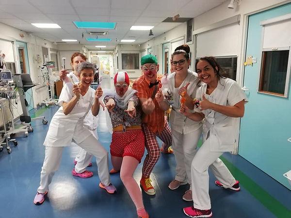 Olga_et_Gringo_équipe_pédiatrie.jpg