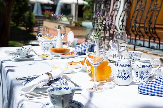 Café da manhã no jardim 6.jpg