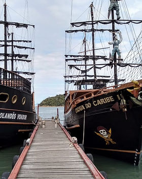 Passeio de Barco Pirata
