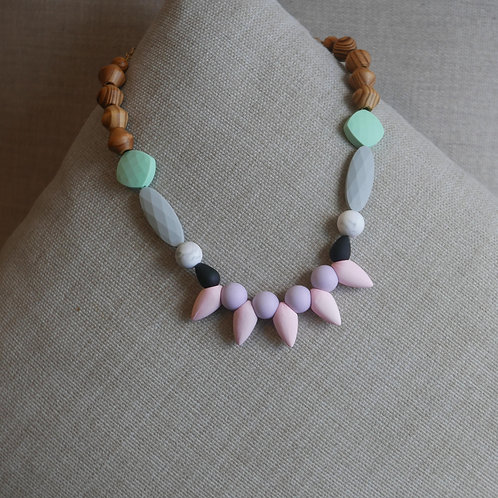 PINK BUD NECKLACE