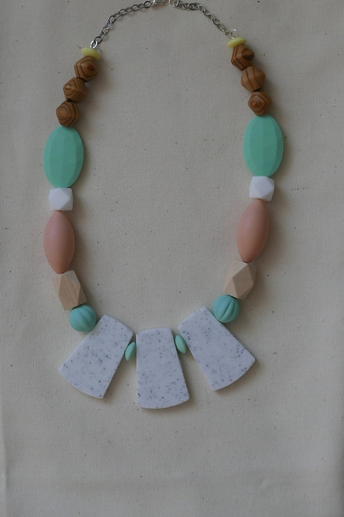 ALMOND NECKLACE