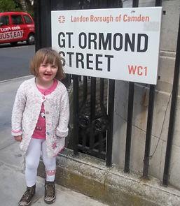 Angelina Mills at Great Ormond St 2.jpeg