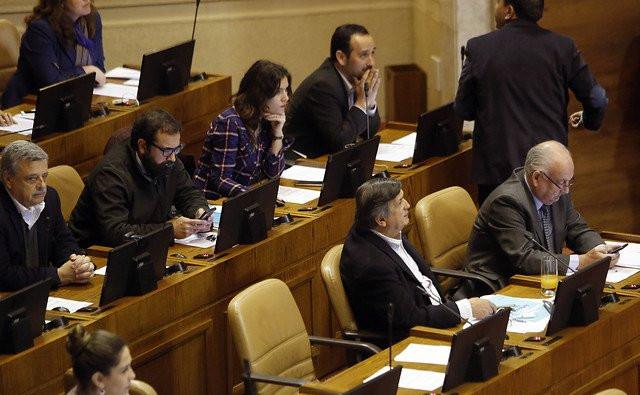 ¿Debería realmente jactarse de pagar todos sus impuestos un parlamentario o un funcionario público?