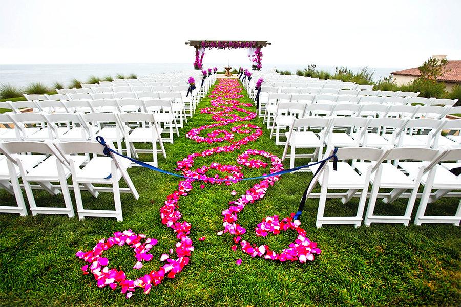 pinkfloweraisle.jpg