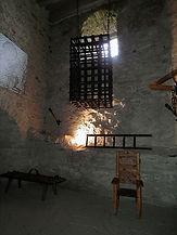 Spissky_Hrad,_torture_chamber,_01.jpg