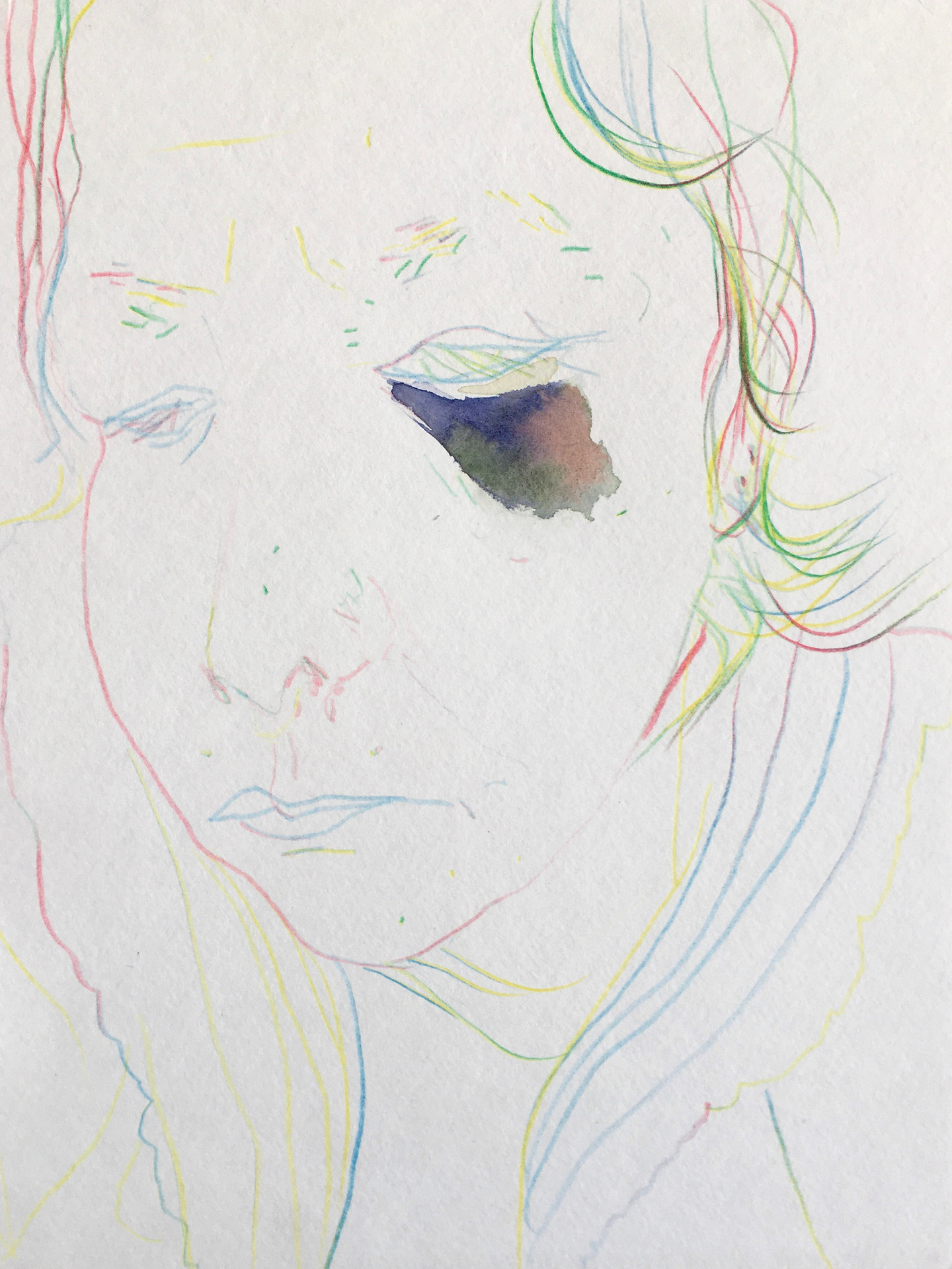 She opened her dull eyelids and looked at him distraught./Sie schlug die matten Augenlider auf und sah ihn verstört an.