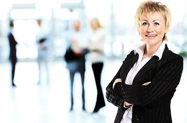 Modern İş Kadını Gülen