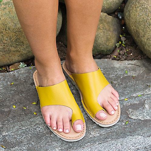 Rasteira Assimétrica Amarela