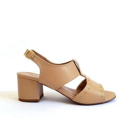 Sandália tachinhas salto bloco