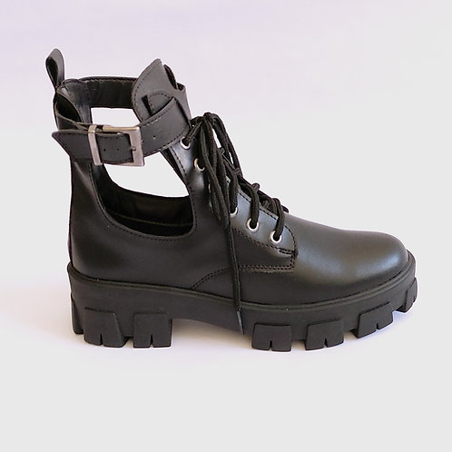 Coturno Cut Out Boot