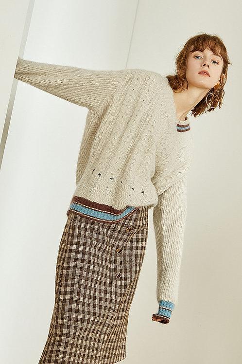 FANSILANEN | Twist Contrast Color Sweater