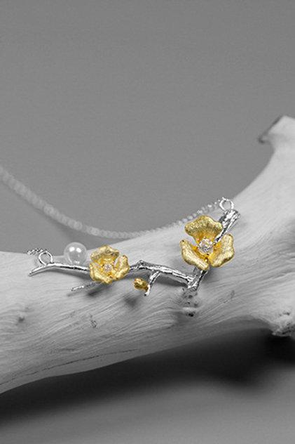 One Plum Blossom Necklace