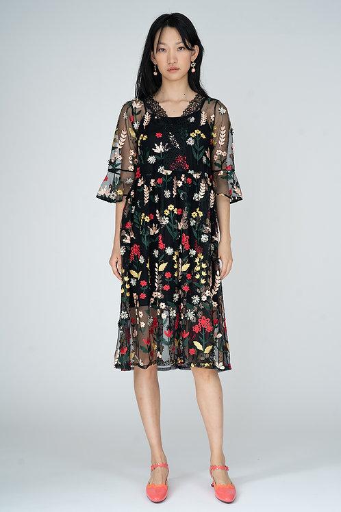 Ecru Emissary | Renee Embroidery Dress