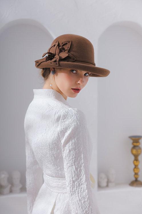 Ecru Emissary | Caramel Broccoli Wool Hat